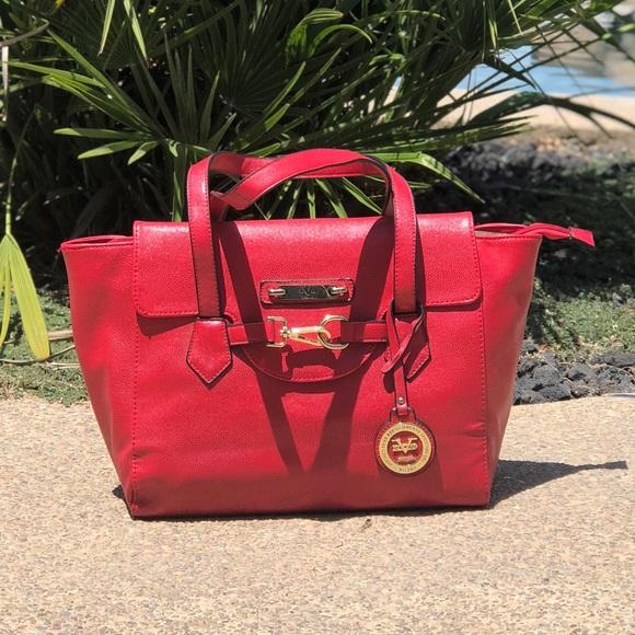 Versace Italia 1969 handbag red abbigliamento. M 5b47b6f47386bcccd6d11ab0 55e983bd447d3